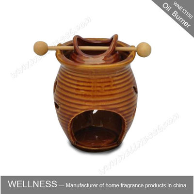 China Classic Design Decorative Scented Oil Burners Ceramic Vase Shaped For Office factory