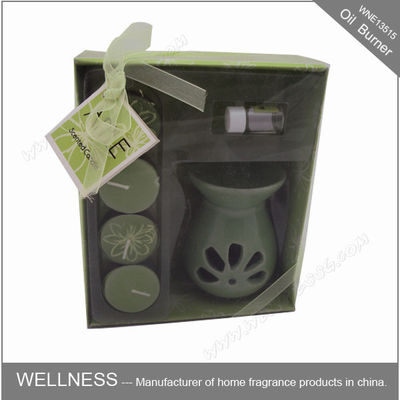 China Sweet Smelling Ceramic Scented Oil Burner With Small Candle In The Box factory